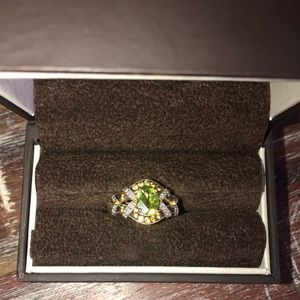 Beautiful gold and peridot ring -never been worn